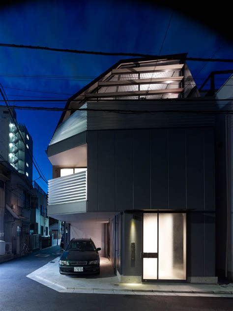 efficient small house  tokyo modern house designs
