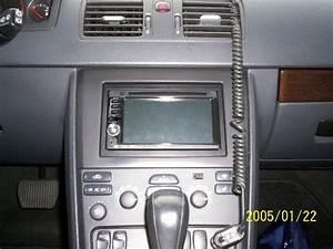 2005 Volvo S40 Aftermarket Radio