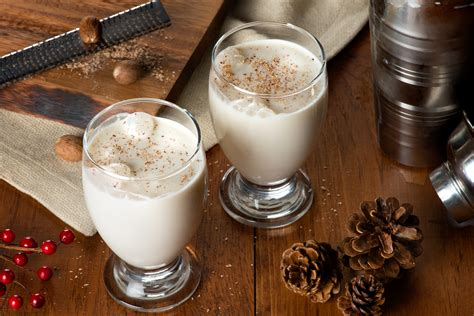 Place one large ice cube in each glass. Top 10 White Rum Drinks with Recipes | Only Foods