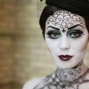 Braut Make Up Selber Machen : schminken zu halloween hilfreiche tipps f r den perfekten look hexe halloween und hexen ~ Udekor.club Haus und Dekorationen