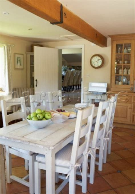White Farmhouse Table And Chairs  Design Bookmark #15289