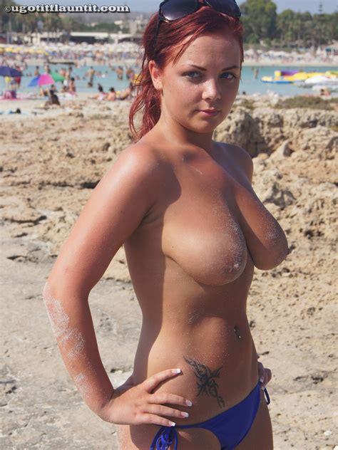 Arina Busty Bikini Chick