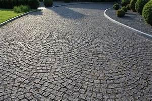 Granit Pflastersteine Größen : schwedische granitsorte schwarzer schwede als pflasterstein in verschiedenen gr en und formaten ~ Buech-reservation.com Haus und Dekorationen