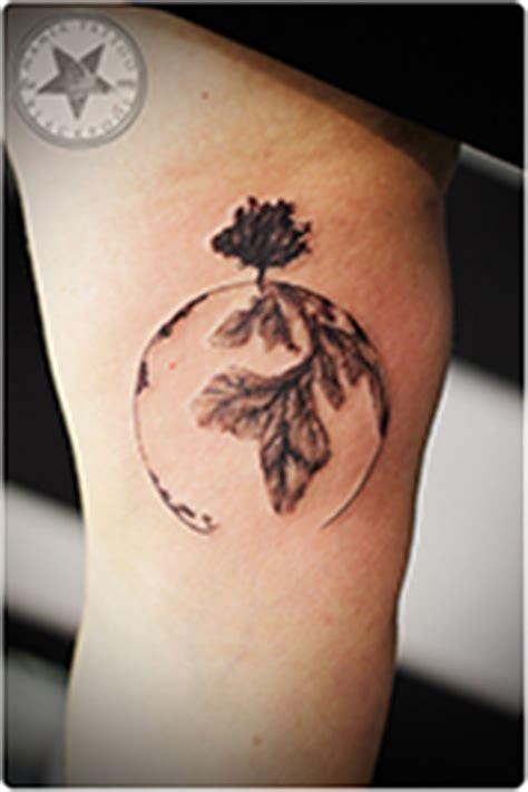 simple tattoos mania tattoo blackpool