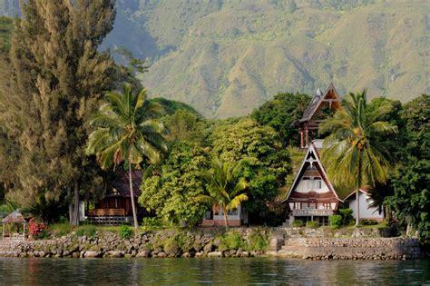 samosir island north sumatra top indonesia holidays