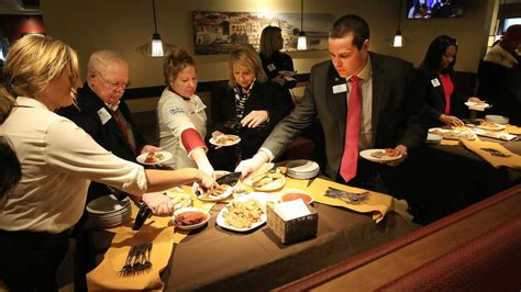 olive garden davenport ia moline welcomes opening of new olive garden at southpark