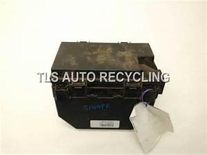 2010 Volkswagen Routan Fuse Box - 7b0937049gxrmn - Used