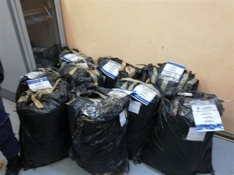 Mosotho nabbed with 30 bags of dagga - Metro News