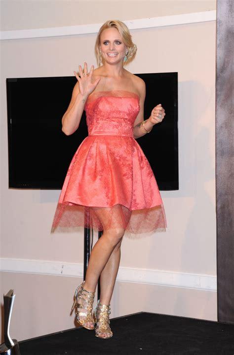 Miranda Lambert Hottest Bikini Pictures Show Her Sexy Body ...