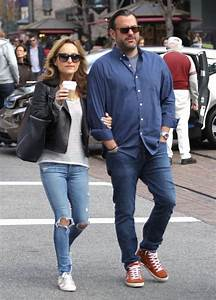 Giada De Laurentiis in RIpped Jeans - Shopping at The ...