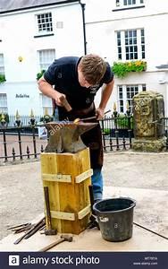 Schnur Am Webstuhl : traditional crafts stockfotos traditional crafts bilder alamy ~ Orissabook.com Haus und Dekorationen