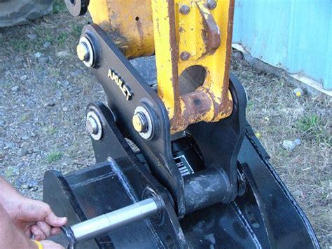 amulet mini hitch coupler    ton machine class  mini excavators  tractor backhoe arms