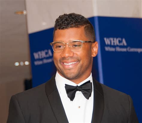 russell wilson   celebs  give    big