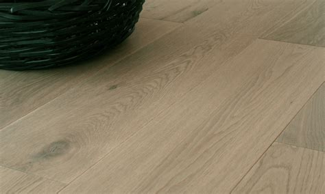 how to choose laminate flooring how to choose the color of quality laminate flooring floor design ideas