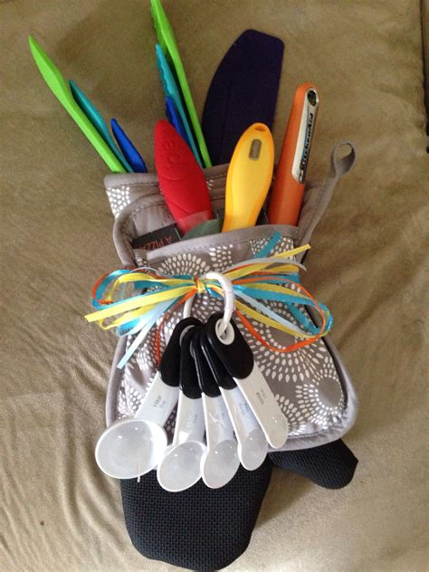 utensils  kitchen gadgets   potholder  oven mitt
