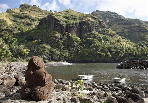 une statue tiki symbole des 238 les marquises iles marquises d 233 couvrez les dix plus beaux