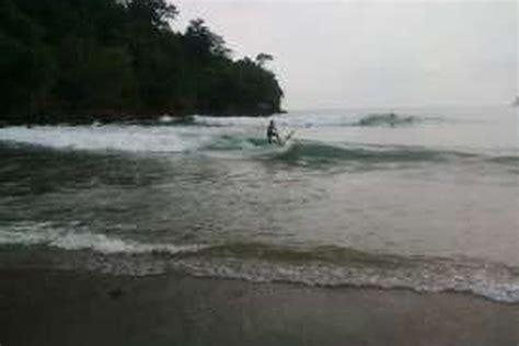 pantai wedi awu surga selancar pantai malang selatan