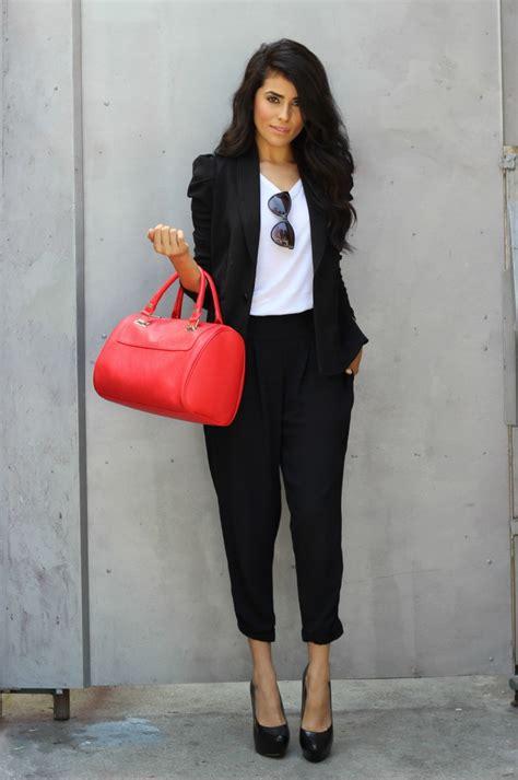 31 Black u0026 White Work Outfits For Women 2018 | FashionGum.com