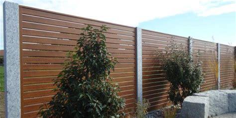 Pflanzen Holz Und Alu Sichtschutz Fuer Den Balkon by Aluminium Sichtschutzzaun Fachgerecht Montiert Zaunteam