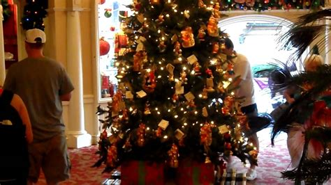 Worlds Best Christmas Tree Decorations & Lights On Sale At