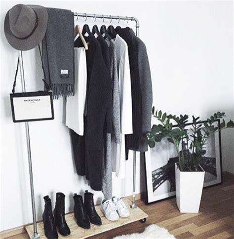 La Garderobe Minimaliste  Simplifiezvous La Vie Grâce à