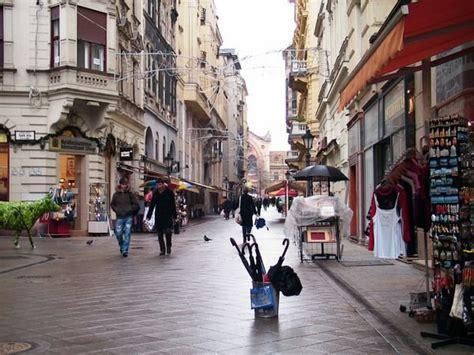 vaci utca photo