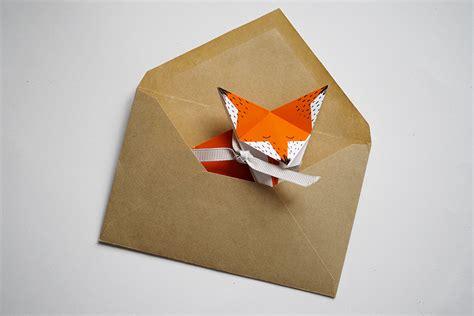 décorer chambre bébé le faire part en origami minireyve