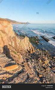 Rocky Cliff View Pacific Ocean Low Image & Photo
