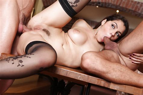 Italian Pornstar Valentina Nappi Dp And Anal Sex Before Cumshot On Tongue