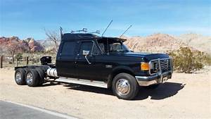 Ford F-350 Tandem Axle Dually