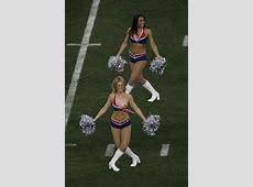 Cheerleader Has Wardrobe Malfunction Uncensored Pats