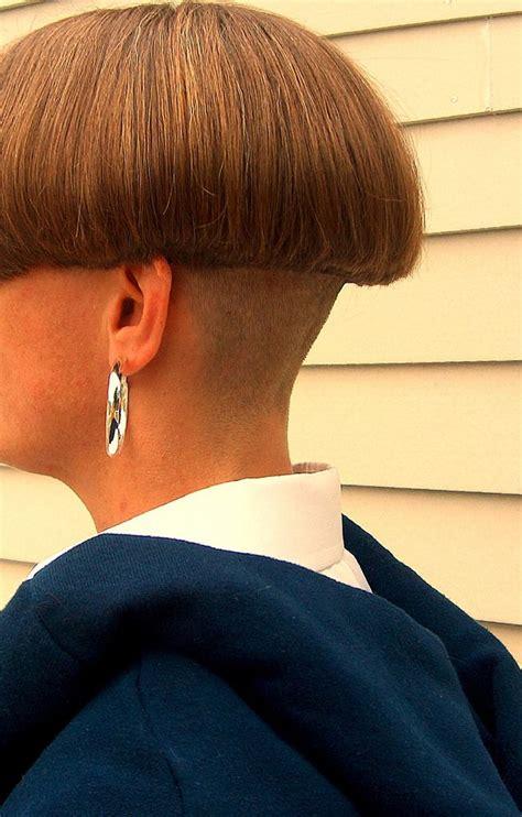 shelfed mushroom hair model hair bowl haircuts