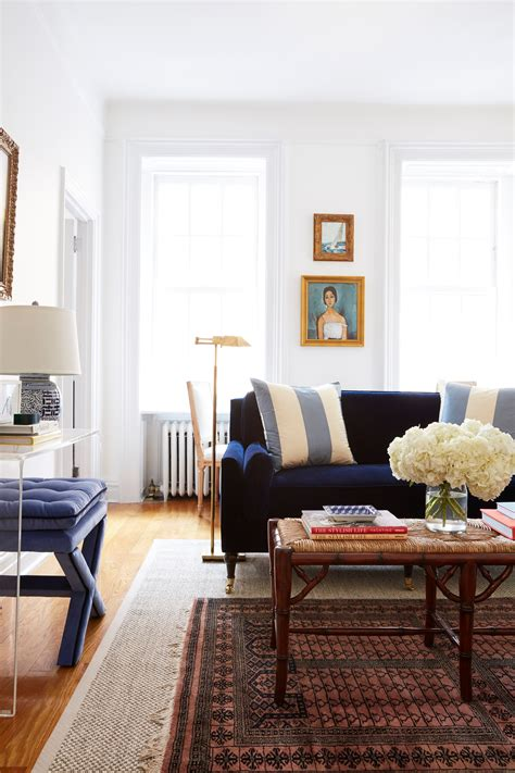 living room furniture layout  maximizes  small
