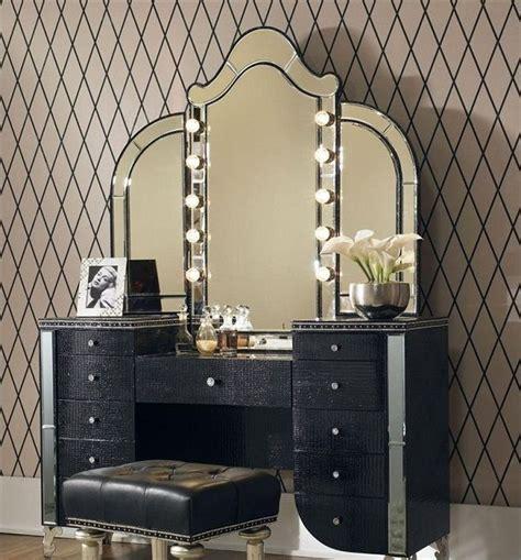 Makeup Vanity Desk With Lighted Mirror by Best 25 Vintage Makeup Vanities Ideas On