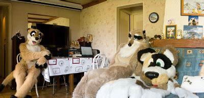 review furries enacting animal anthropomorphism