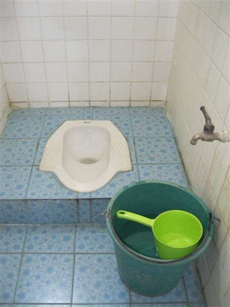 squat toilet asian toilets a step by step guide to using the squat pot
