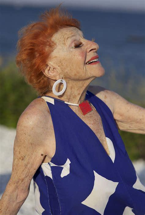 mature advanced woman ginger granny happy face age tag fun should body senior vieille smithkin fashionable ilona rousse glamorous aging