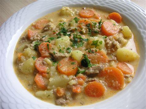 rezepte mit hackfleisch und kartoffeln kartoffel hackfleisch topf mit schmand und m 246 hren