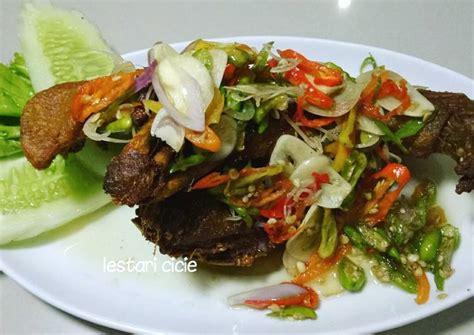 Besar kemungkinan warga indonesia menyukai makanan tersebut karena rasanya yang enak. Resep Bebek Goreng sambal matah oleh Cicie Kitchen - Cookpad