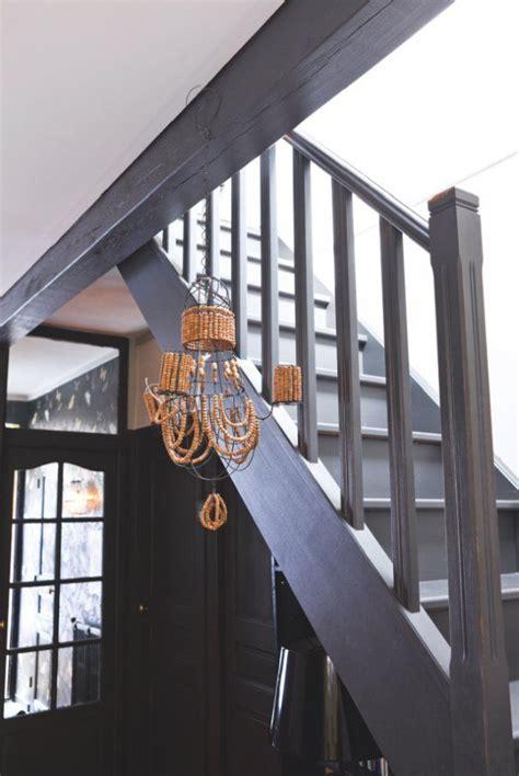 leffet du noir dans la decoration stairs escaliers