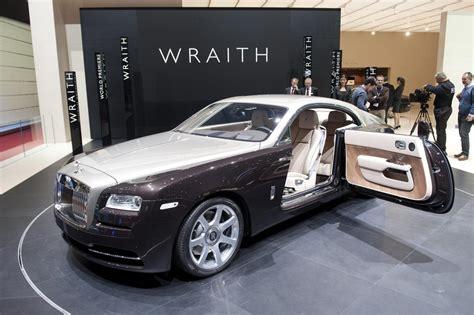 rolls royce sports car rolls royce l eccellenza del lusso non si ferma in tempo