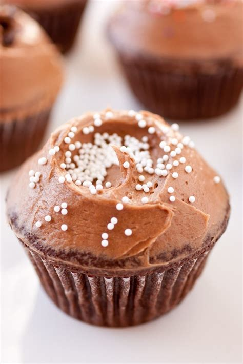cuisine cupcake chocolate cupcakes with chocolate cheese frosting