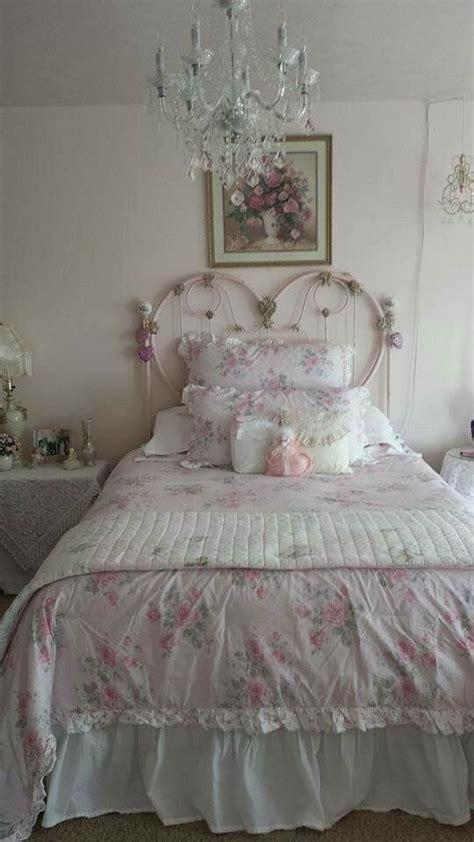 shabby chic bedroom wallpaper best 25 shabby chic comforter ideas on pinterest bedroom wallpaper shabby chic a b home