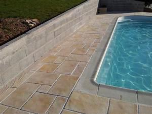 dalle autour piscine margelle manoir et angle manoir With amazing comment poser des margelles de piscine 14 terrasse jardin pierre