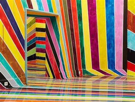 Varavīksnes krāsas istaba Vācijā - Spoki