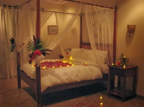 Simple Wedding Bedroom Design With Candles Decor Ideas
