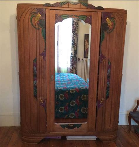armoire ancienne  portes avec miroir moulures peintes