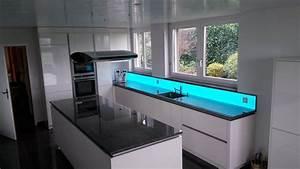 Glasplatte Für Küchenrückwand : rgb k chenwand moderne dekoleuchte f r ihre k che ~ Articles-book.com Haus und Dekorationen