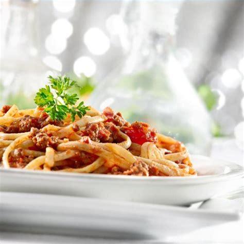 Jika anda ingin membuatnya sendiri di rumah, tapi tidak tau caranya. Tupperware -Spaghetti Bumbu Bali