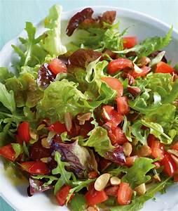 Grüner Salat mit Tomaten Vinaigrette Rezept [ESSEN UND TRINKEN]